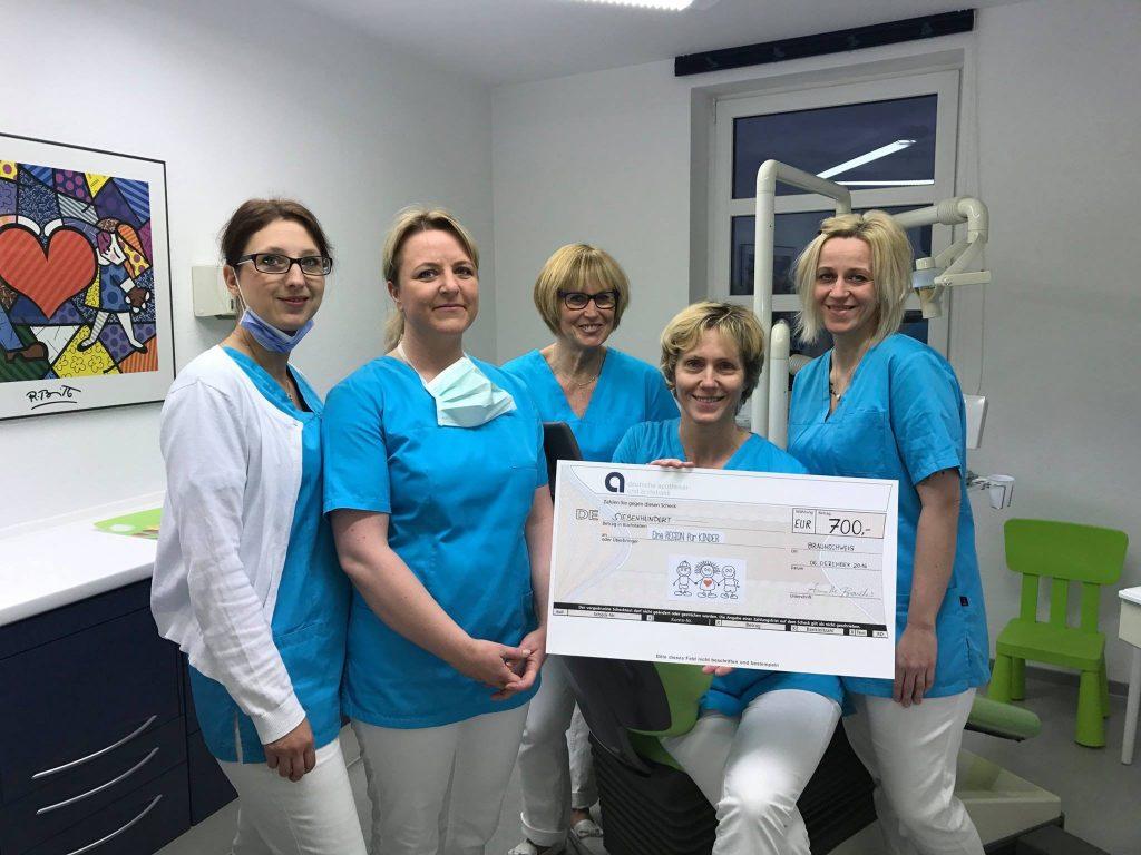 Spendenübergabe Zahnarztpraxis Annette Brandes